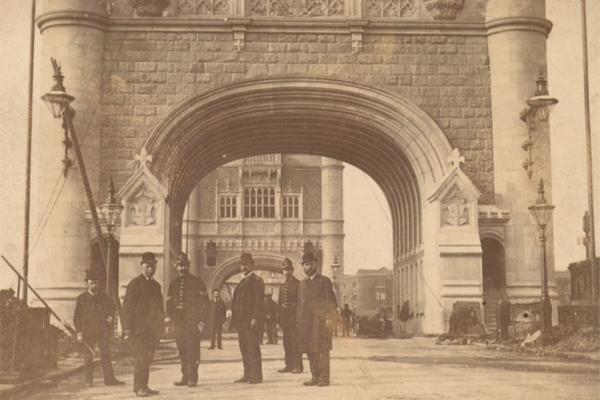 Tower bridge 1894